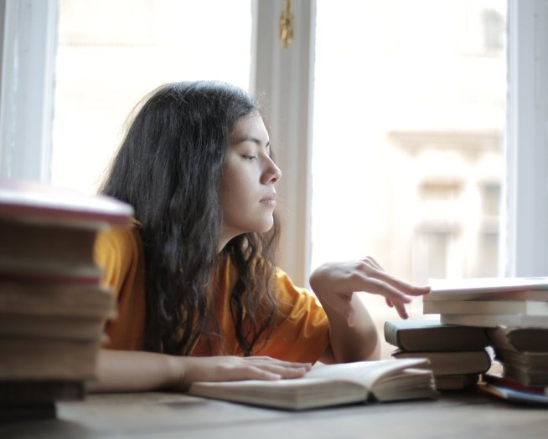 Cómo Hacer un Currículum Académico: Ejemplos y Guía