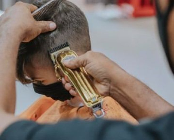 Ejemplo de curriculum vitae para peluquería: guía y plantillas